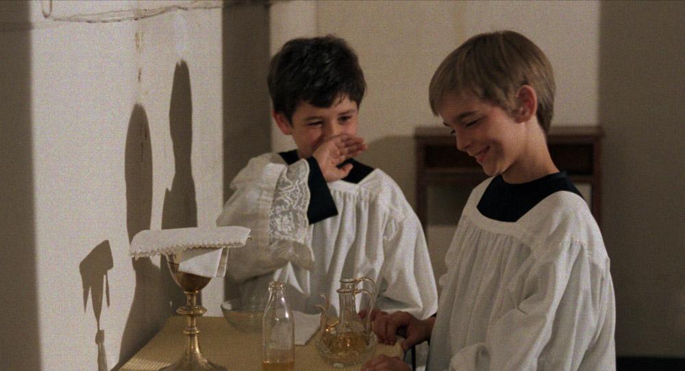 LA MESSE EST FINIE © 1985 FASO FILM S.R.L. Tous droits réservés.