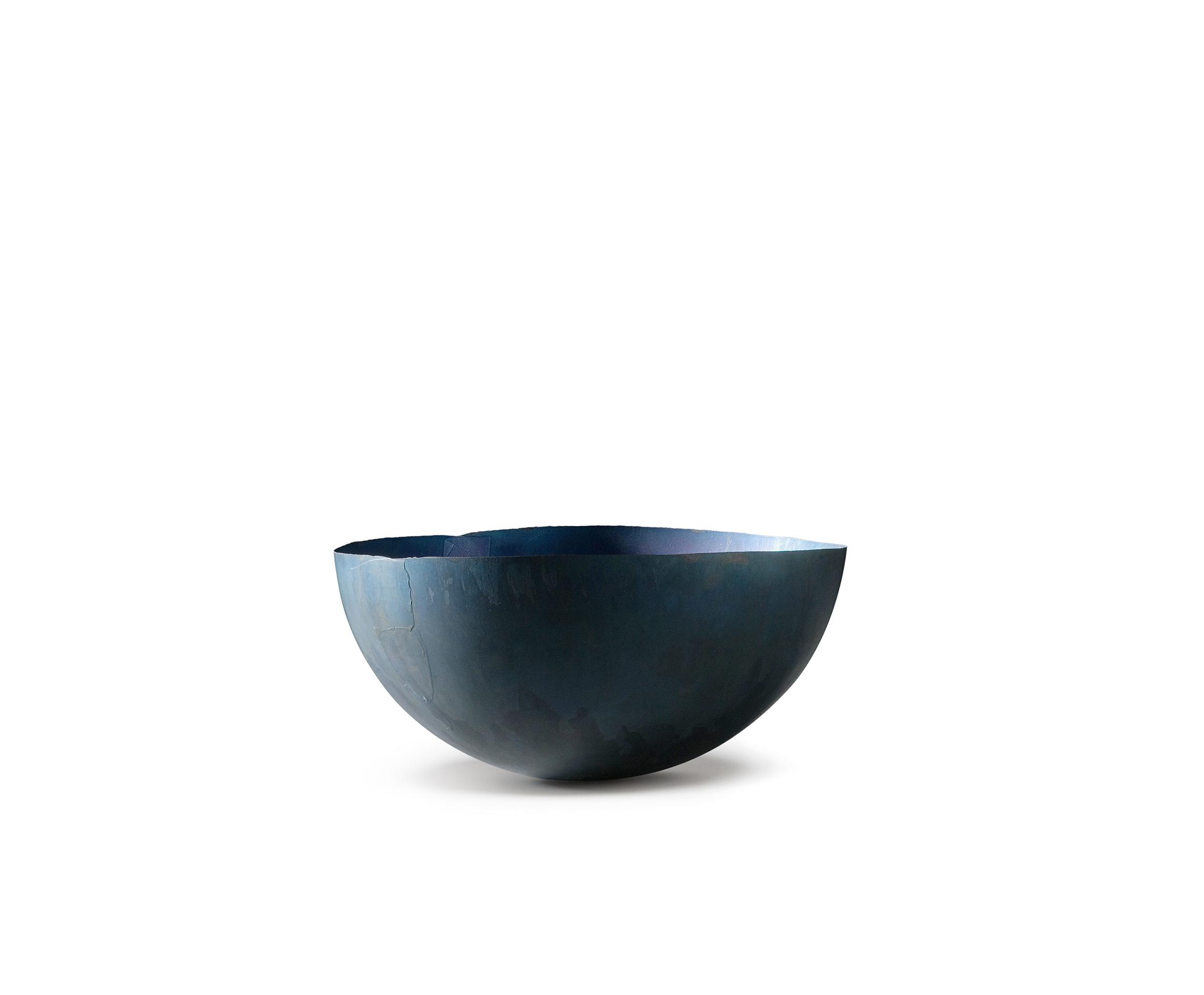 "Laurenz Stockner, Italy ""Bowl made of copper / elastic shape – Ø 200mm"", copper, 200 x 200 x 100 mm (2012)"