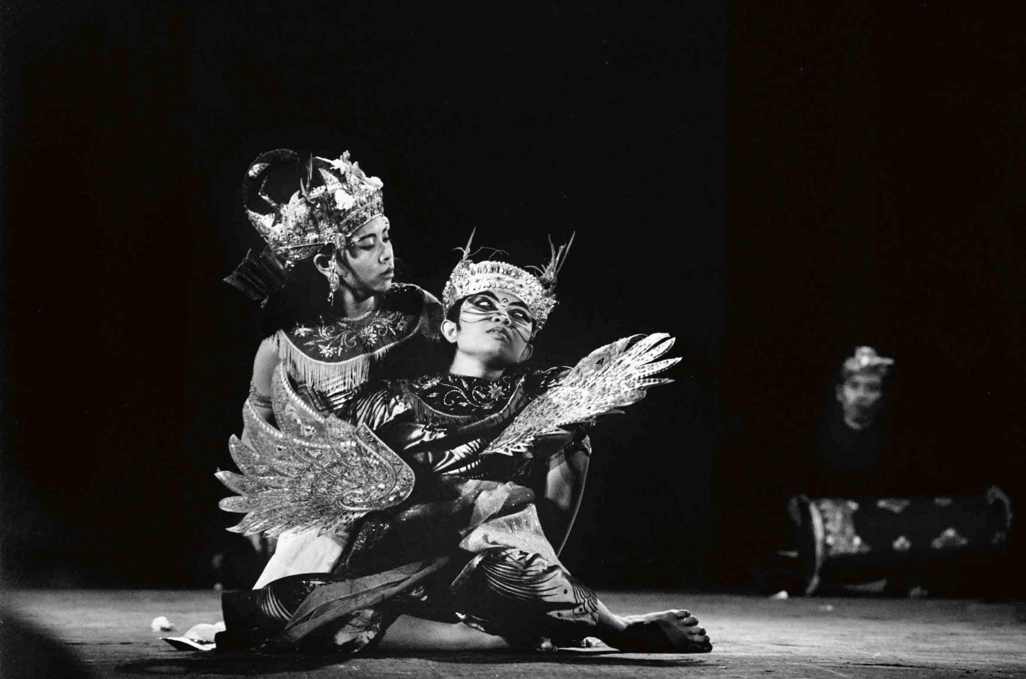 Legong Keraton Dance, Balinese, Gamelan and traditional dances, Persepolis,1969
