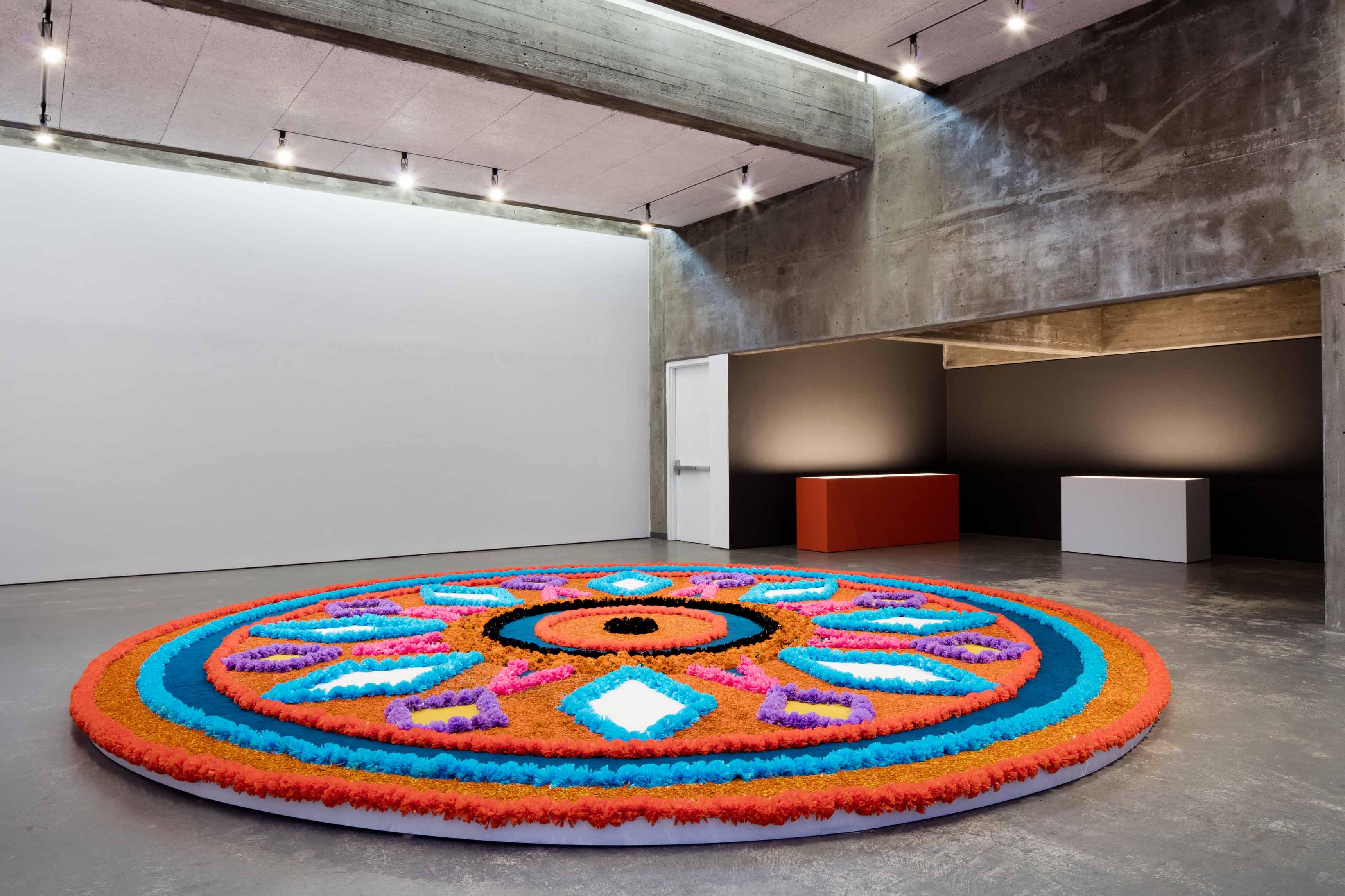 MAGID Jill, Tapete de flores, 2017, Courtesy de l'artiste, de la Biennale de Lyon 2017, avec le soutien de SODIF © Blaise Adilon