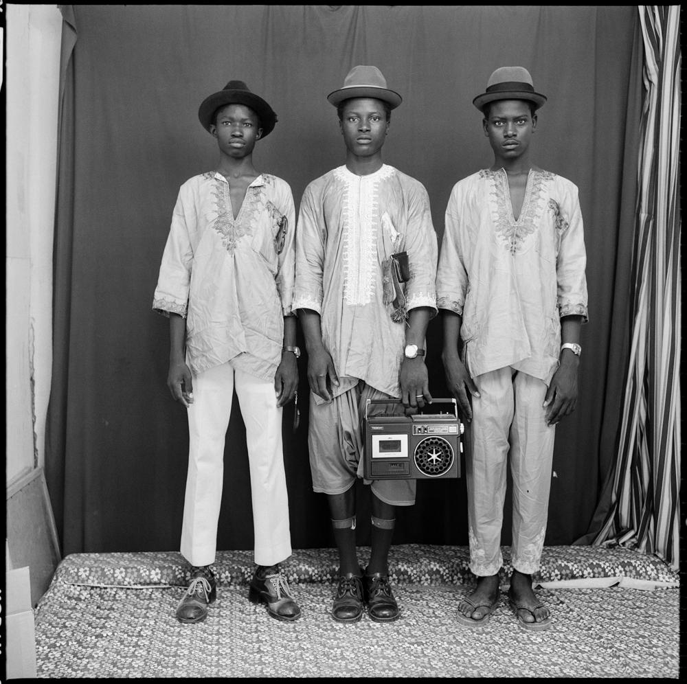 """Les jeunes bergers peuls"" de Malick Sidibé 1972. © Malick Sidibé. Courtesy Galerie Magnin-A, Paris."