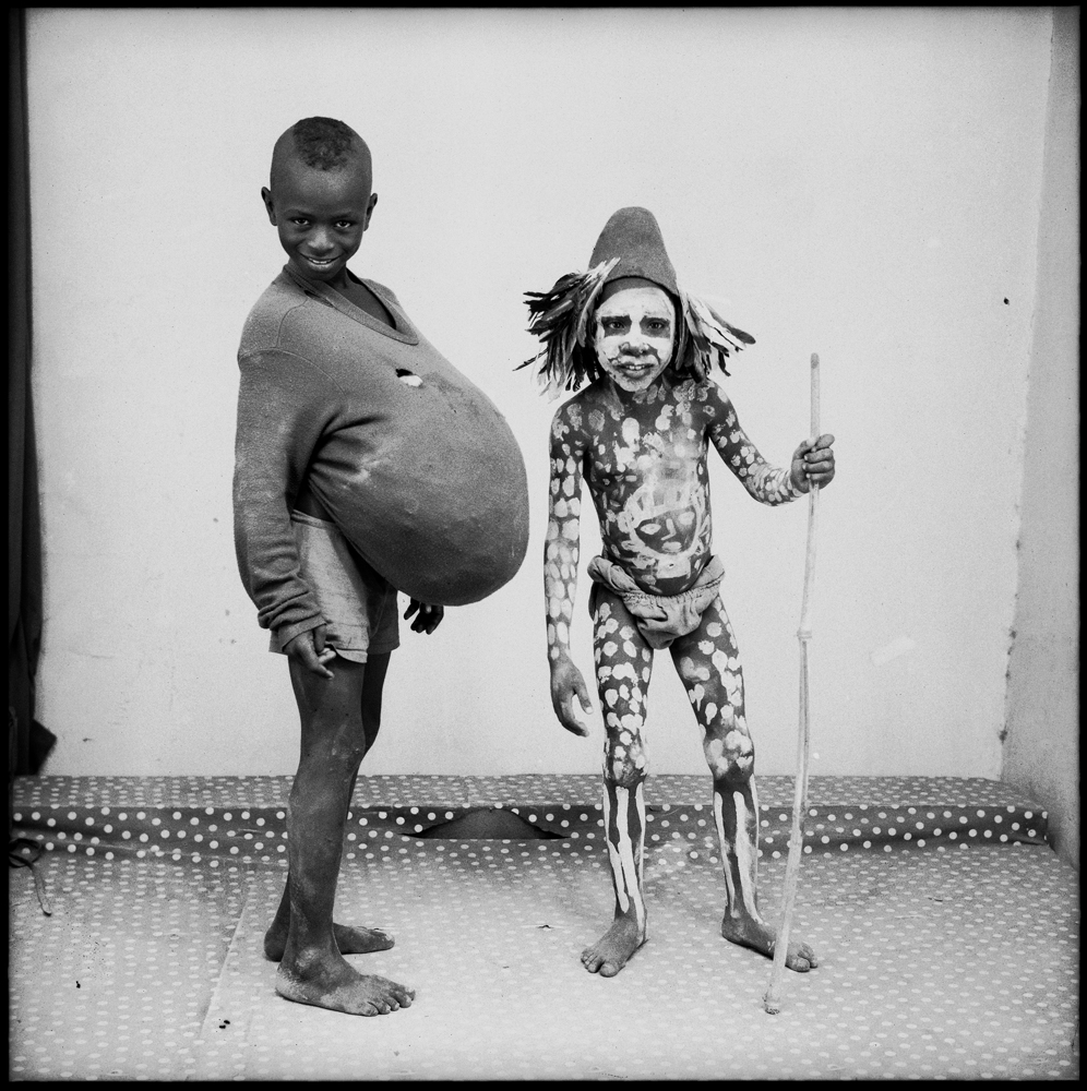 """Yokoro"" de Malick Sidibé, 1970. © Malick Sidibé. Courtesy Galerie Magnin-A, Paris."
