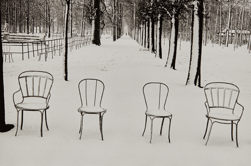 Martine Franck Snow in Jardin des Tuileries 1978