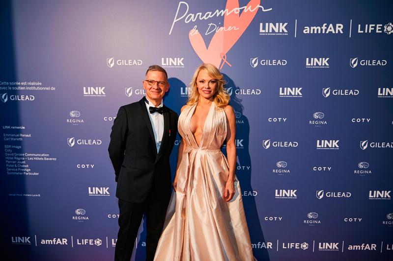 Michel Simon et Pamela Anderson