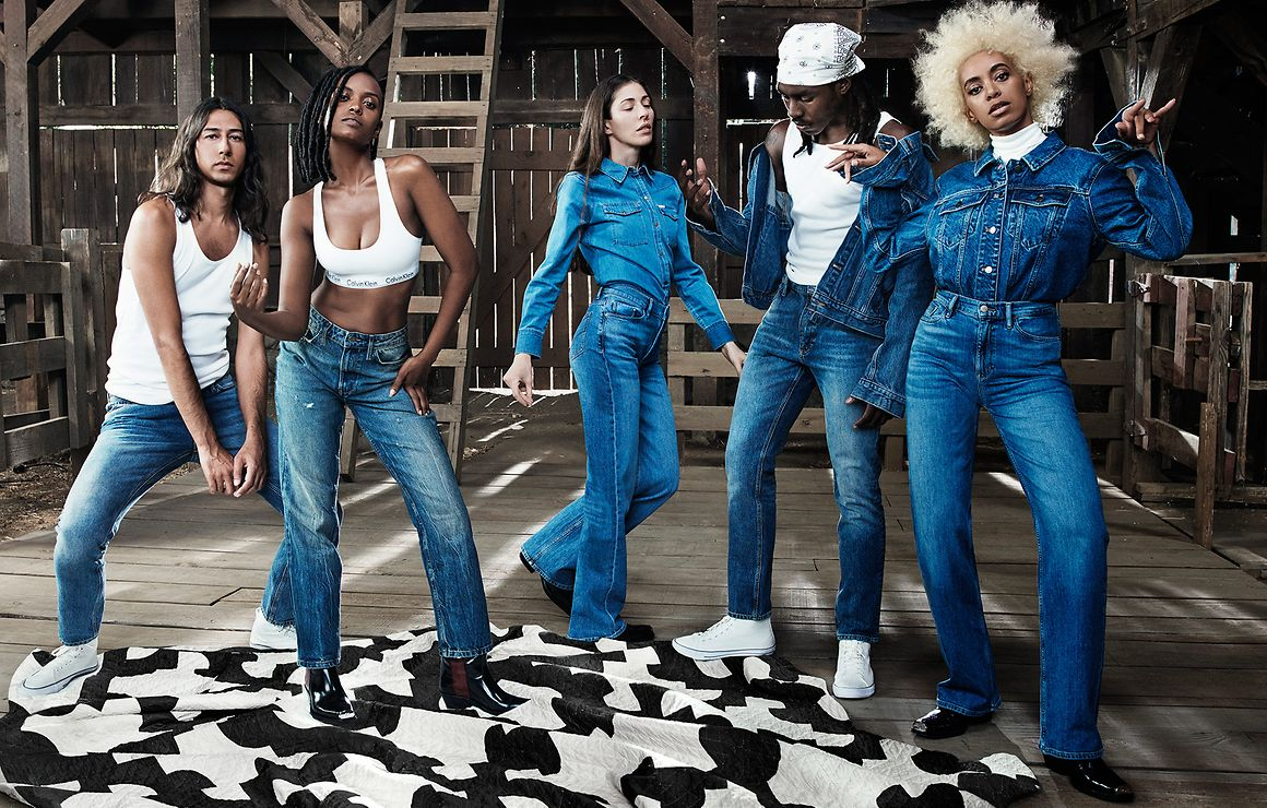 Solange, Kelela, Dev Hynes, Caroline Polachek and Adam Bainbridge of Kindness par Willy Vanderperre