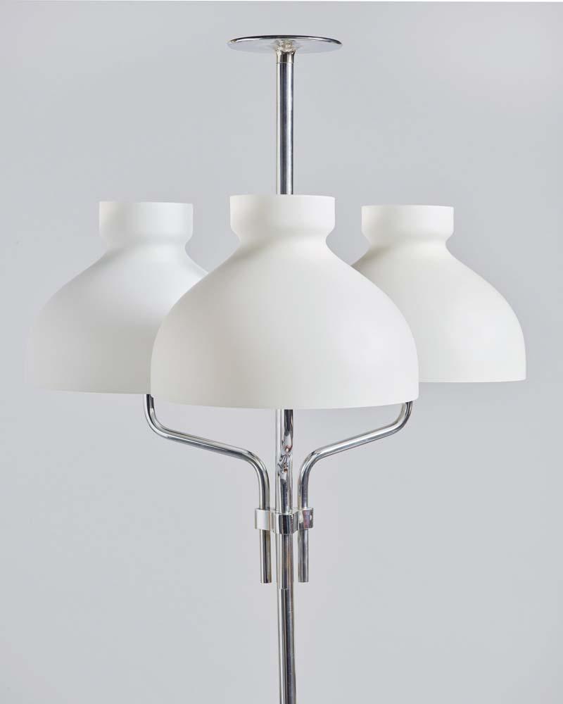 """""""Arenzano table lamp"""" (detail), Ignazio Gardella, 1963, Prod. Azucena, photo par Federico Torra. Chez Galleria Rossella Colombari."""