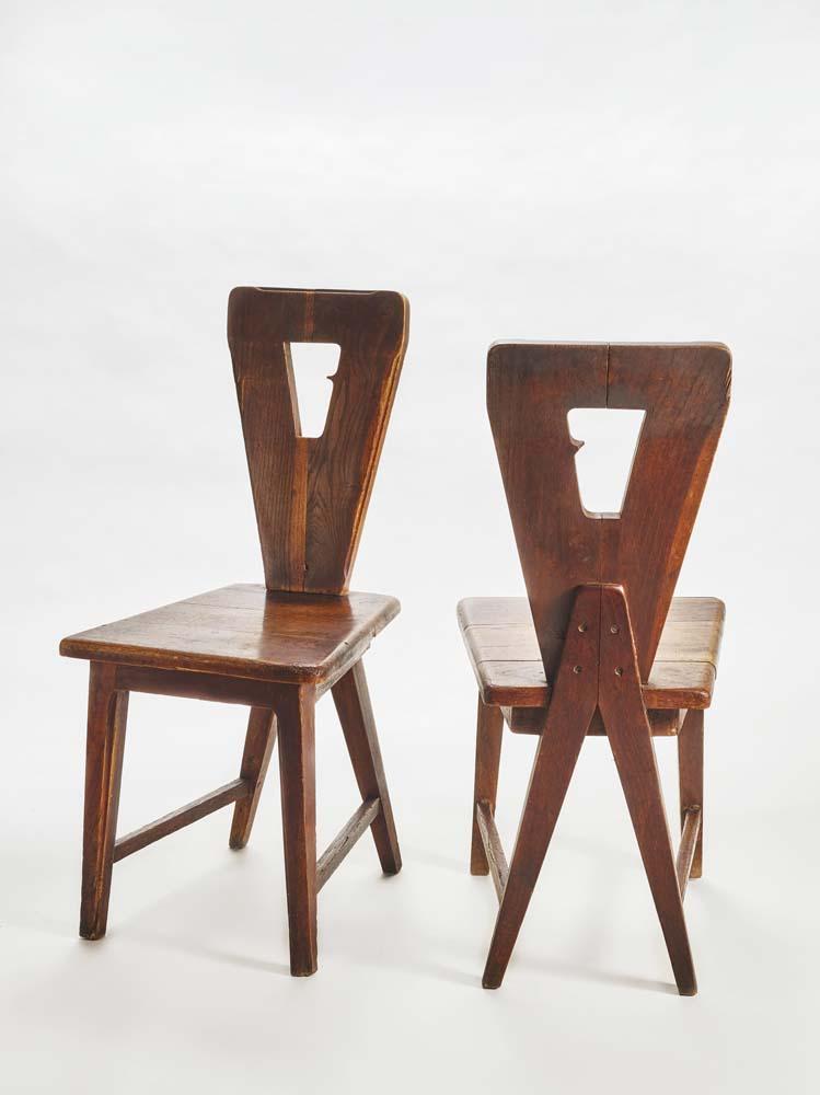 """Chairs in wood"", 1940, photo par Federico Torra. Chez Galleria Rossela Colombari."