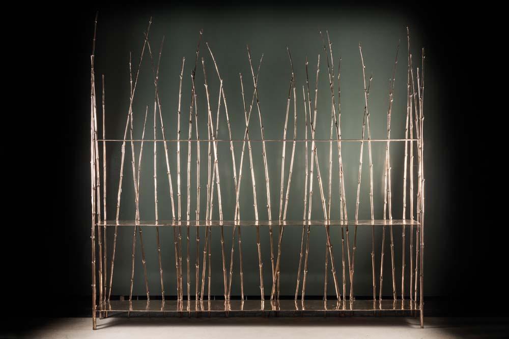 Bamboo Collection - bookshelf, Osanna Visconti di Modrone, 2018 chez Nilufar Gallery. Natural bronze, photo par Daniele Iodice