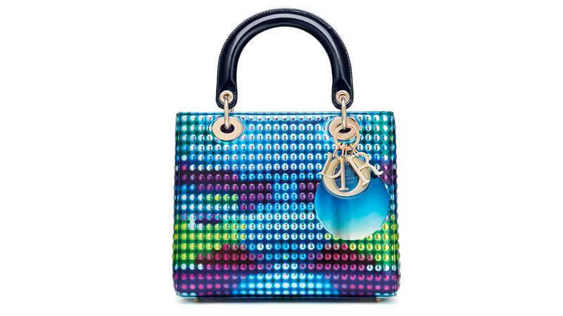 Le sac Lady Dior réinventé par l'artiste chinoise Li Shurui.