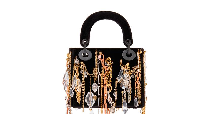 Le sac Lady Dior réinventé par l'artiste française Isabelle Cornaro.