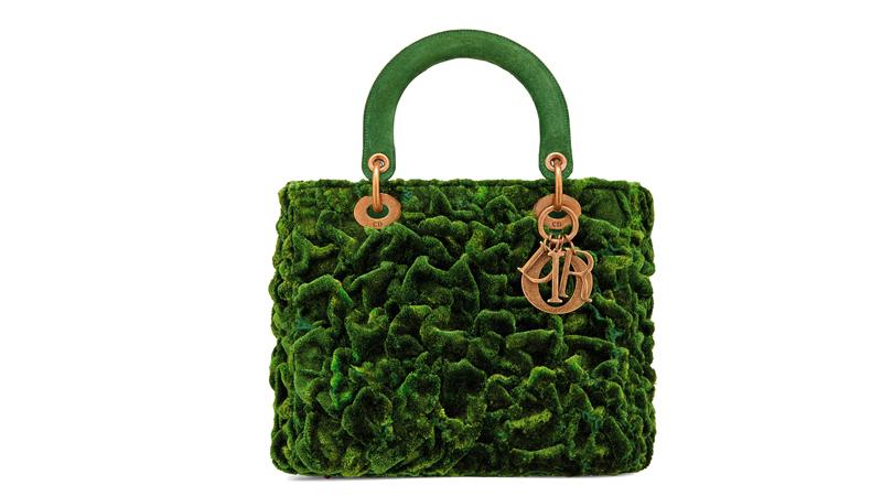 Le sac Lady Dior réinventé par l'artiste coréenne Lee Bul.