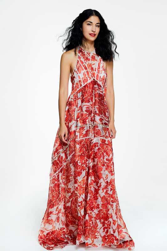La robe longue de Caroline Issa, fondatrice de Tank Magazine.