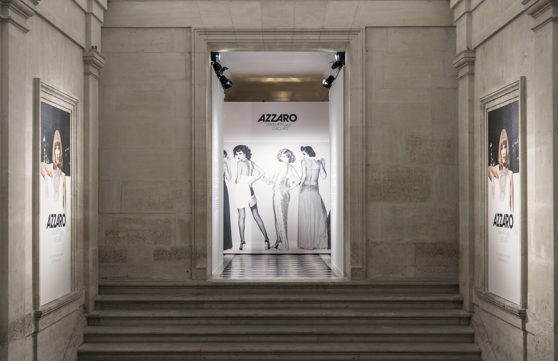 Vue de l'exposition Azzaro, 50 ans d'éclat au Musée des Arts Décoratifs.