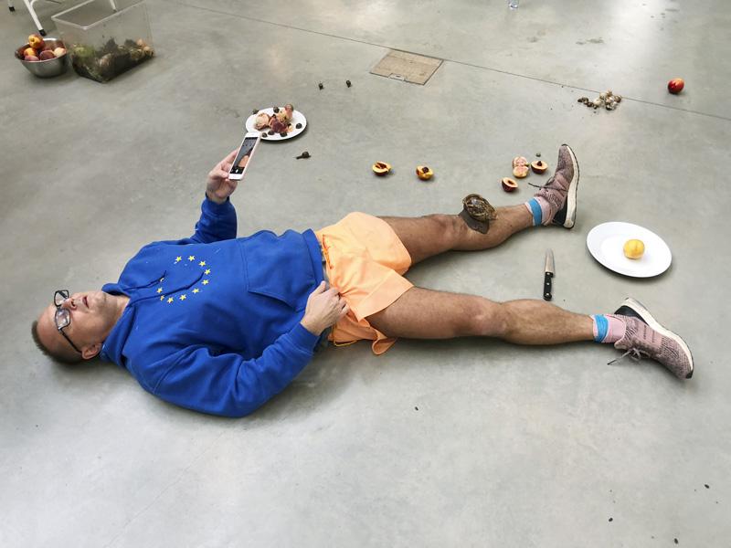 Leg,snailsandpeachesNo.25,London2017