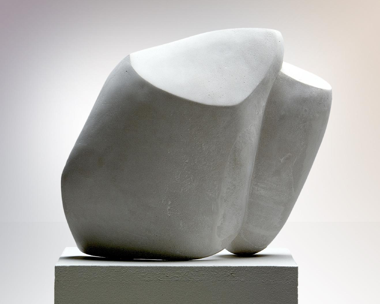 Focus, sculpture en steinguss matériau composite associant principalement le ciment, 29 x 35 x 13 cm