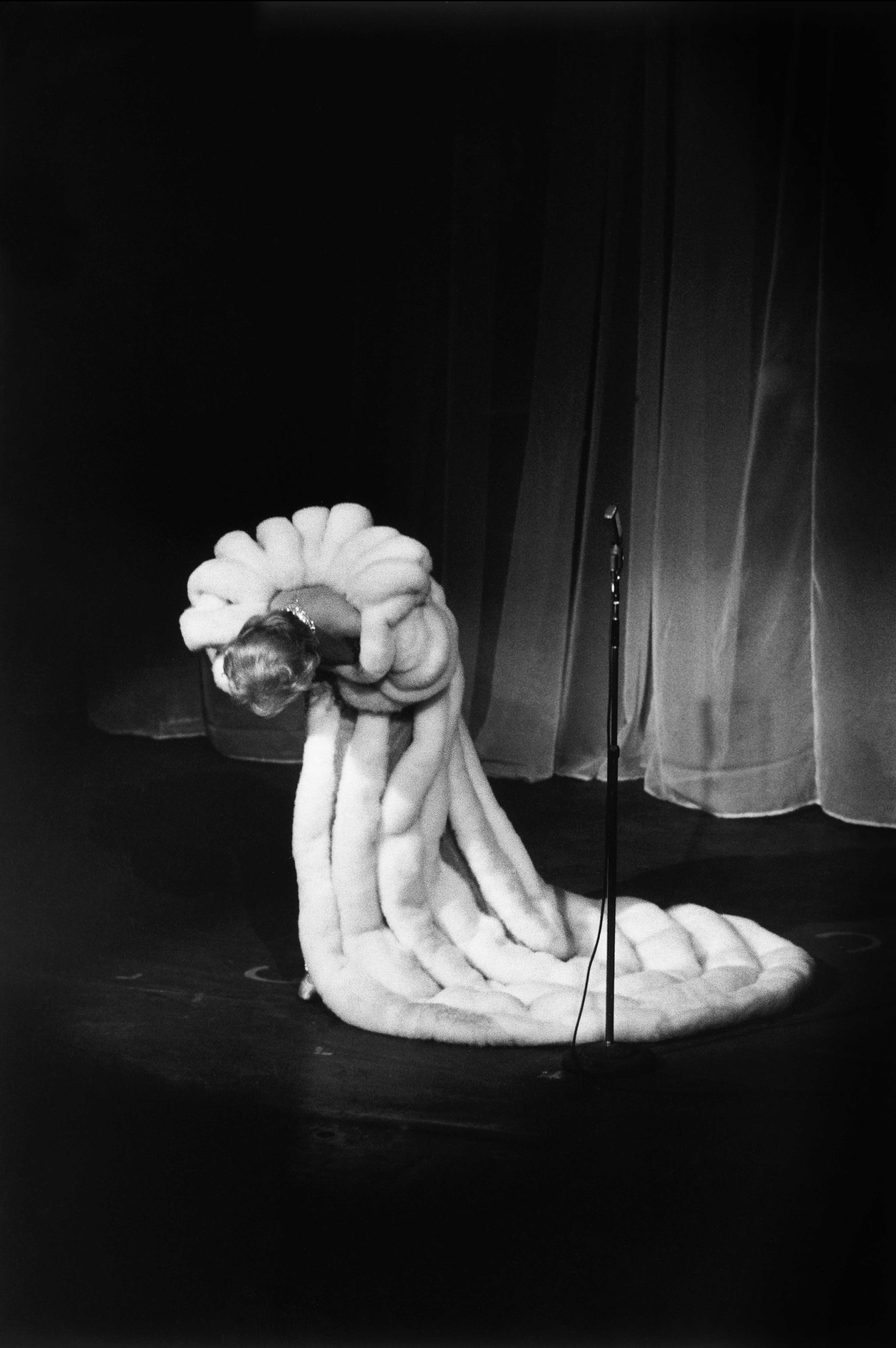 François Gragnon, Marlene Dietrich, Théâtre de l'Étoile, 1959 © François Gragnon / Paris Match / La Galerie de l'Instant