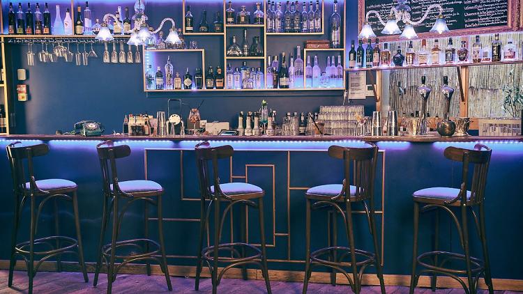 Le bar Orphée à Pigalle.