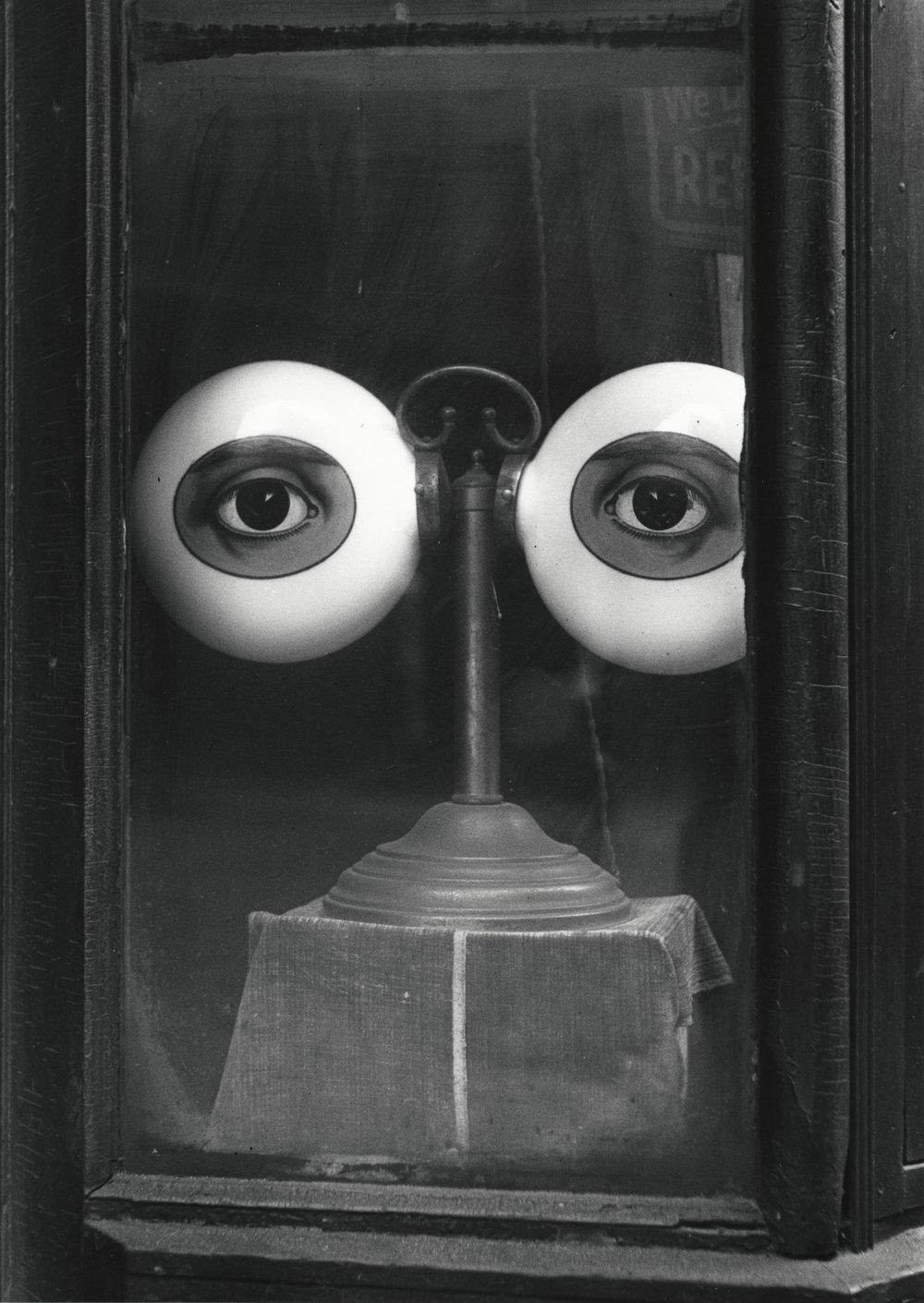 "Irving Penn, ""Optician's Shop Window (B), New York"" (1939)"
