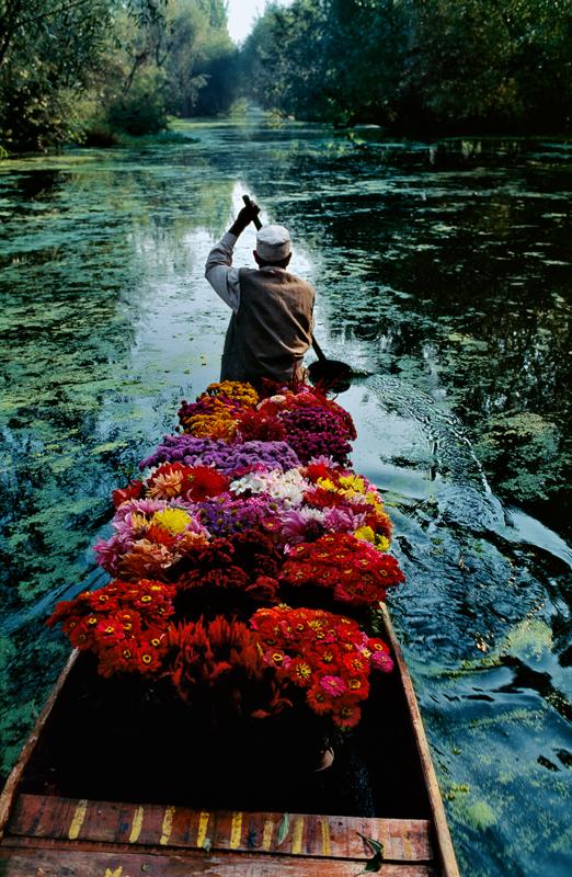 Srinagar, Kashmir, 1996 ©Steve McCurry