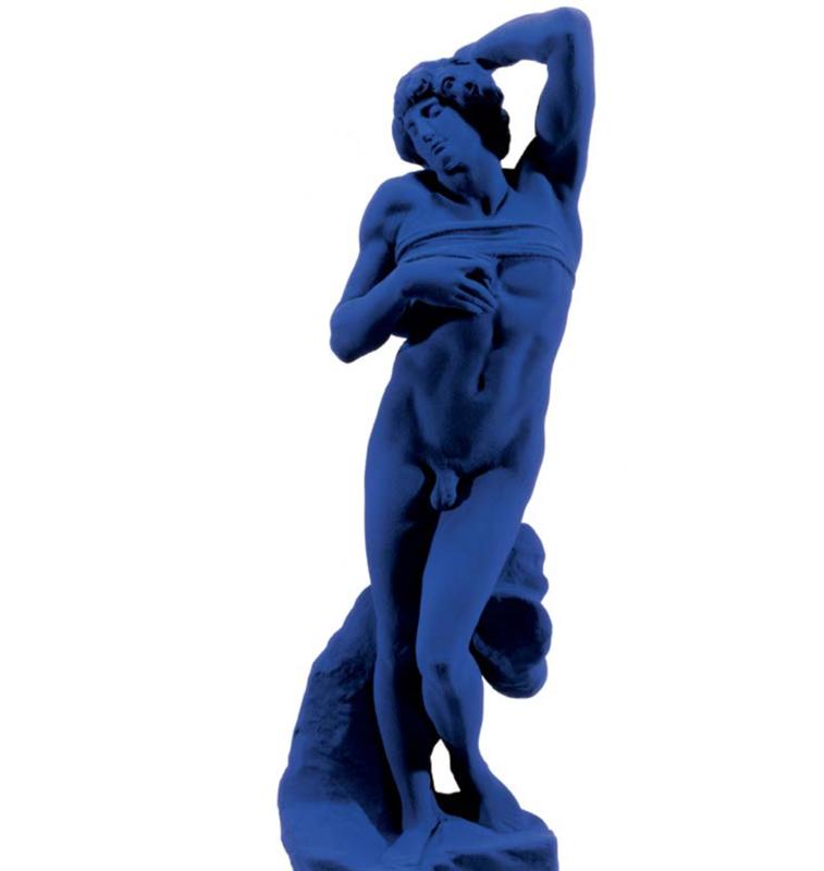 """. Yves Klein (1928-1962), """"L'Esclave de Michel-Ange"""" (S 20) Pigment pur et résine synthétique sur plâtre Œuvre originale : 1962 Édition posthume : 1992 60 × 22 × 15 cm Conçue en 1962 et exécutée à titre posthume en 1992. Don des Archives Yves Klein. Estimation indicative : 50 000 / 70 000 € Prix de départ : 500 €"""