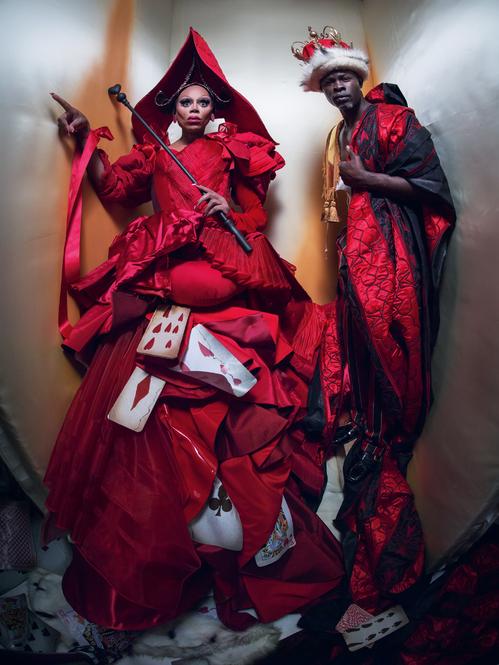 RuPaul and Djimon Hounsou (la reine et le roi de cœur) par Tim Walker pour le calendrier Pirelli 2018