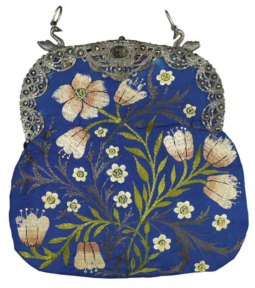 """""""Embroidered Evening Bag"""" par Jane Morris"""