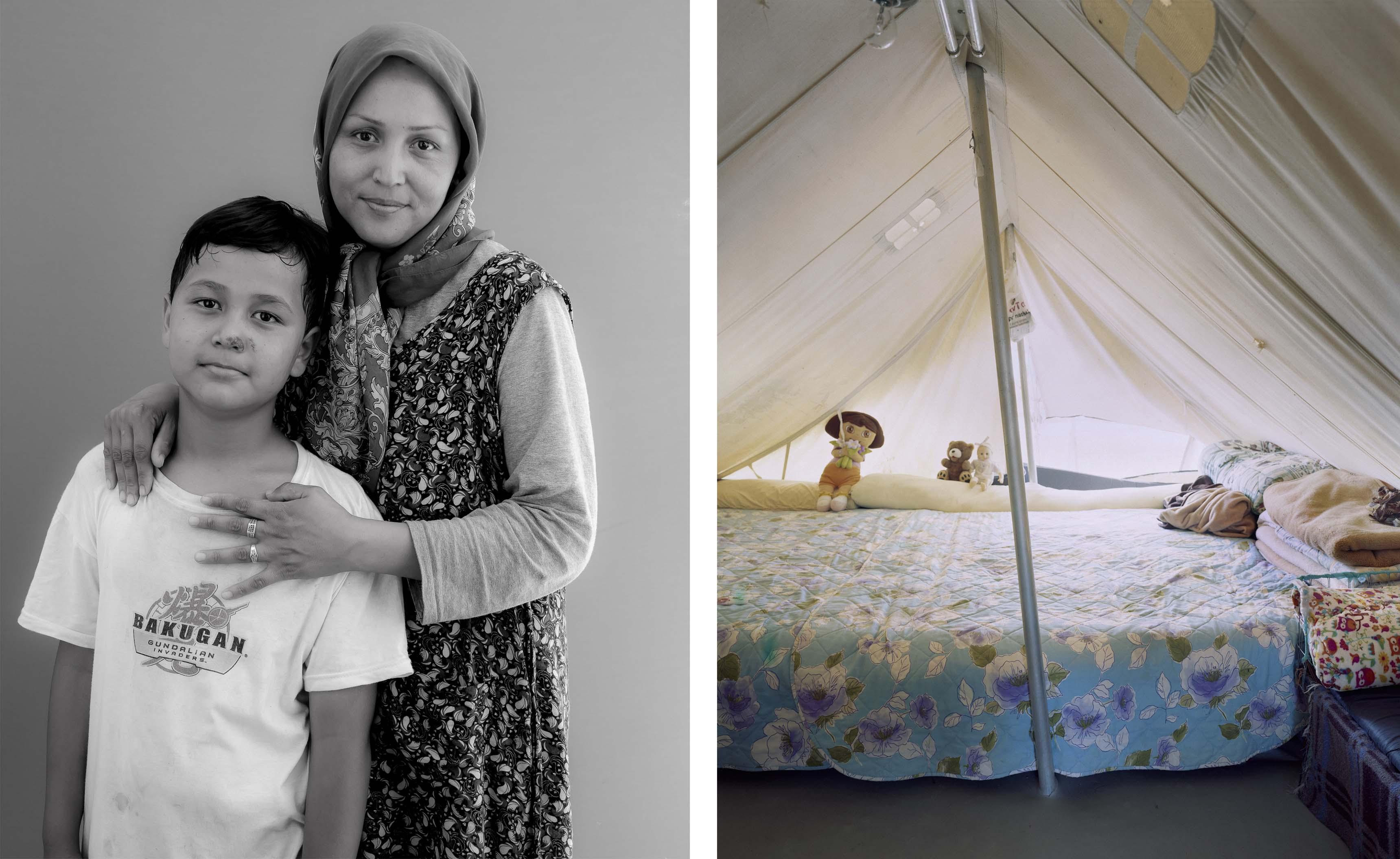 Salima 33 ans et son fils Reza, 10 ans. Camp de Katsikas Grèce. Juin 2016. © Bruno Fert