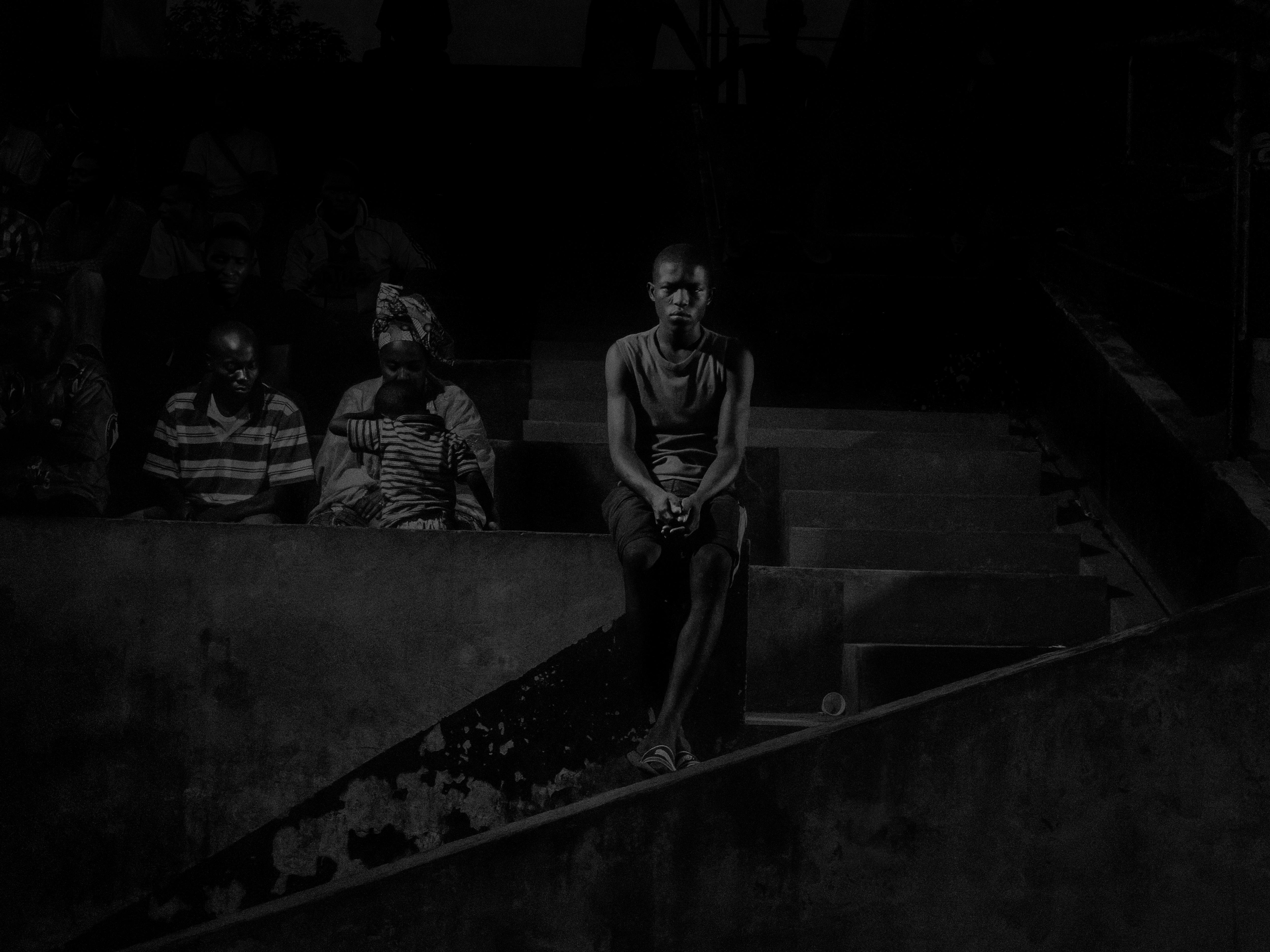 Alex Majoli, République du Congo, 2013, Scene #9928 © Alex Majoli / Magnum Photos Supporters des Red Devils au stade de Brazzaville.