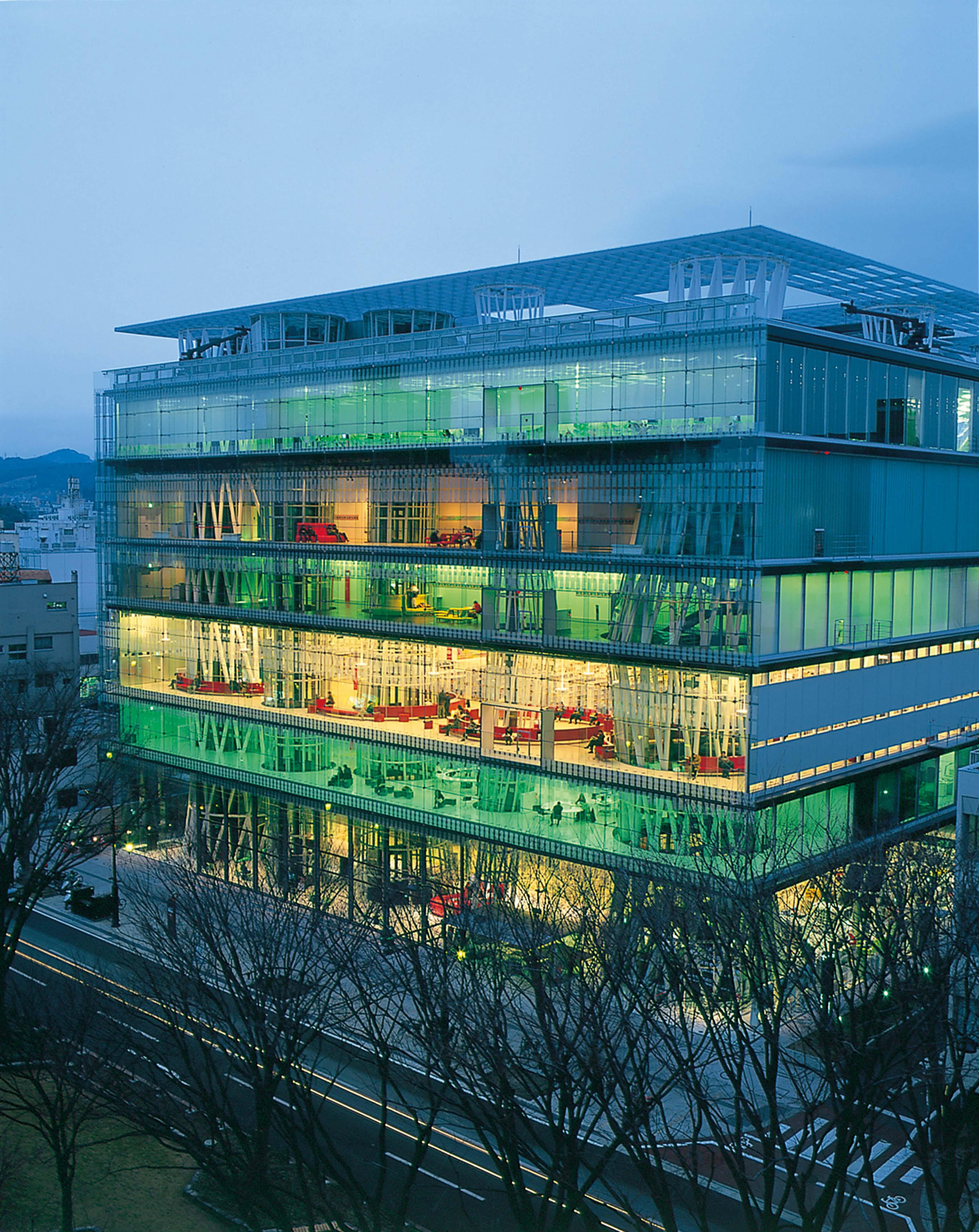 Toyô Itô, Médiathèque de Sendaï, 2000