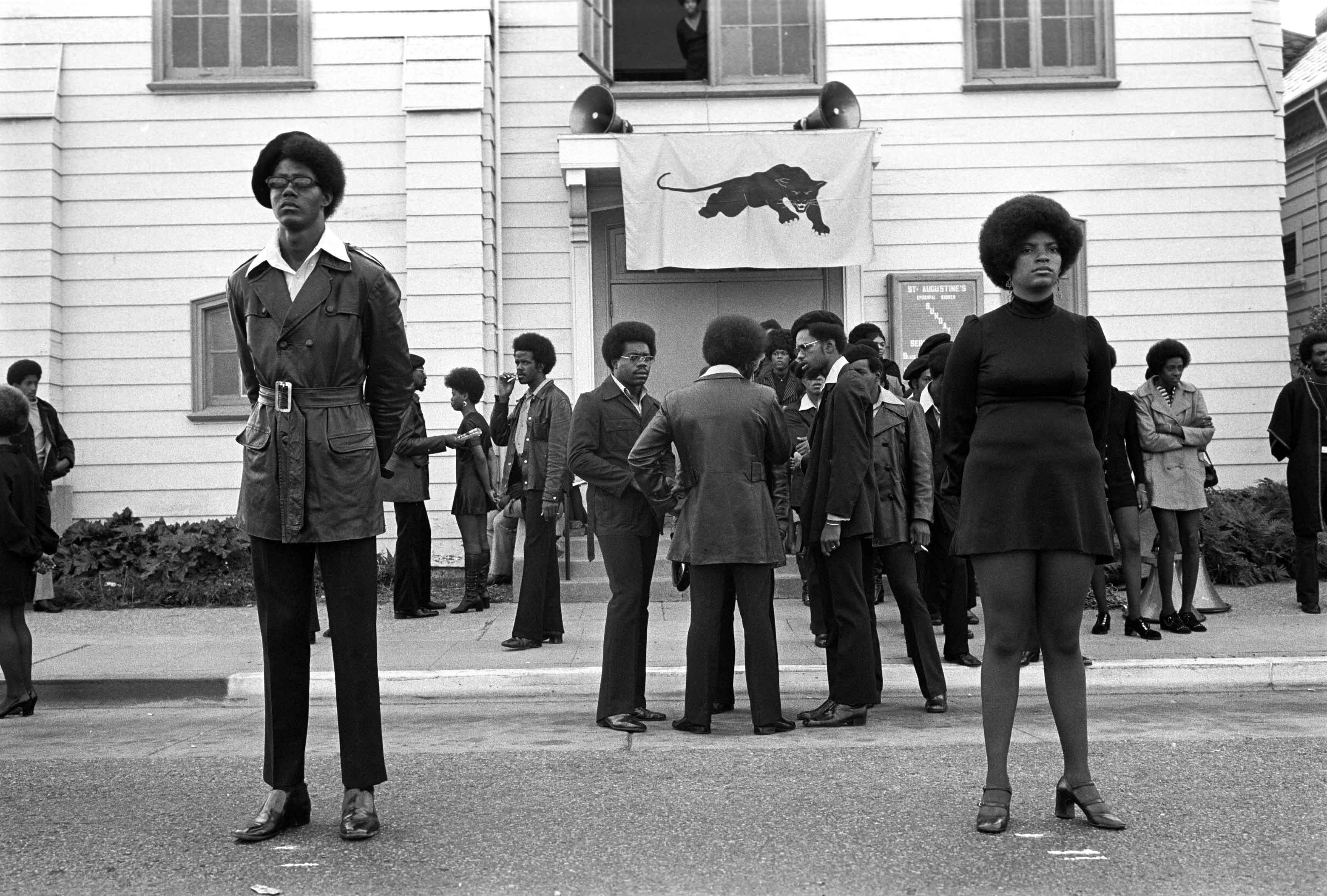 Funérailles de George Jackson, Oakland, 28 août 1971  © Stephen Shames / courtesy Steven Kasher Gallery