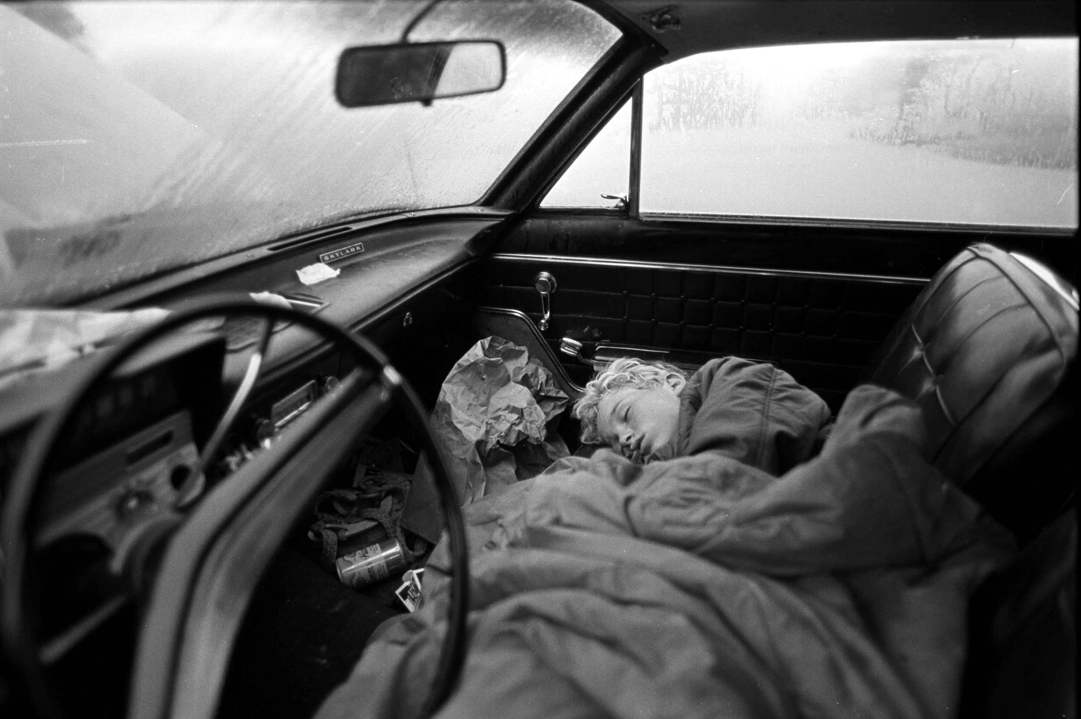 Outside the Dream, Ventura, 1985  © Stephen Shames / courtesy Steven Kasher Gallery