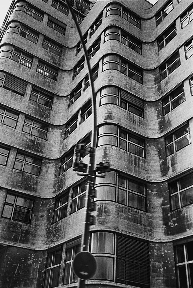 Shell-Haus Berlin, 1989. Peter Lindbergh.