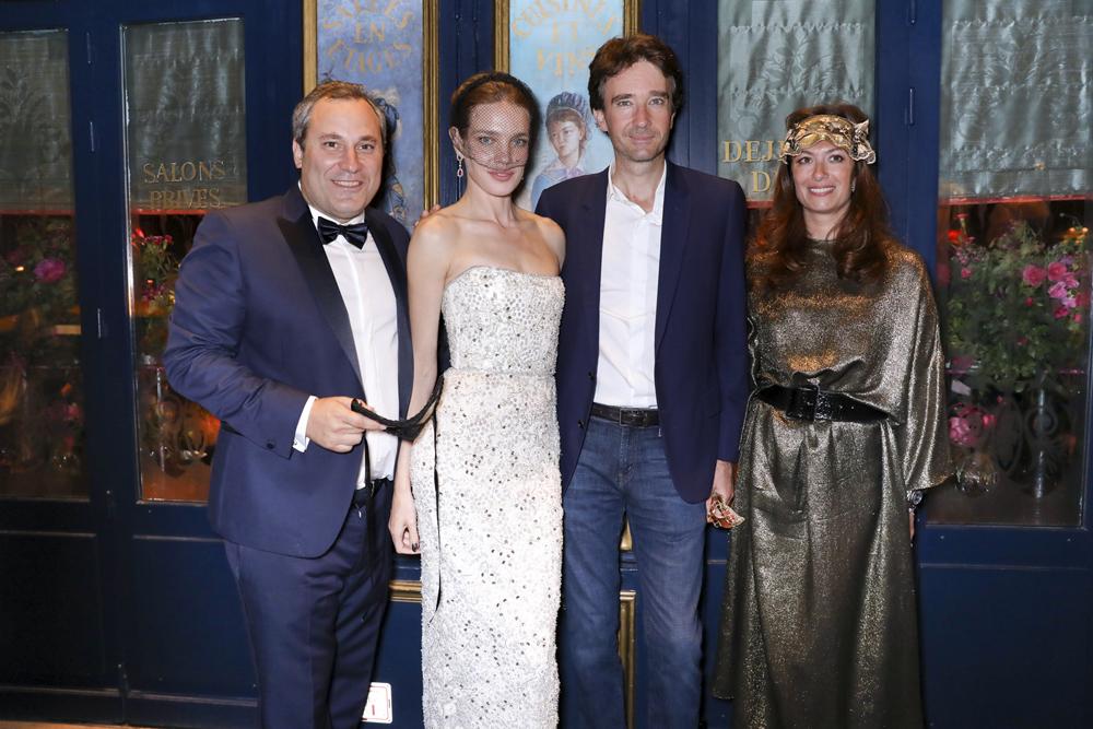 Benjamin Patou, Natalia Vodianova, Antoine Arnault, Cordelia de Castellane © François Goize.