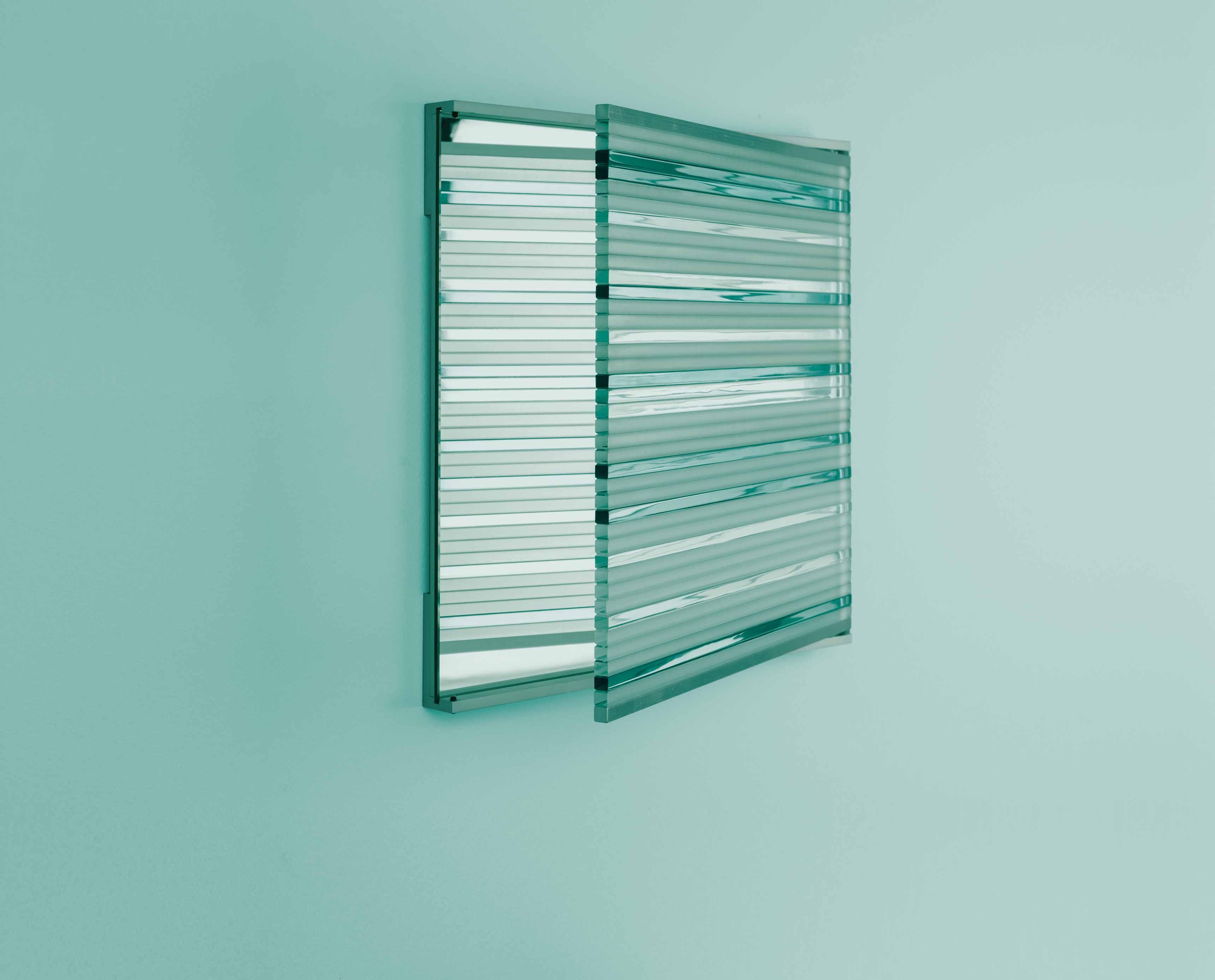 Miroir G.G.17 (2017) de Thomas Lemut. Verre trempé, acier et aluminium, éd. limitée à 8 ex. + 2AP + 2P par la Galler y Fumi,