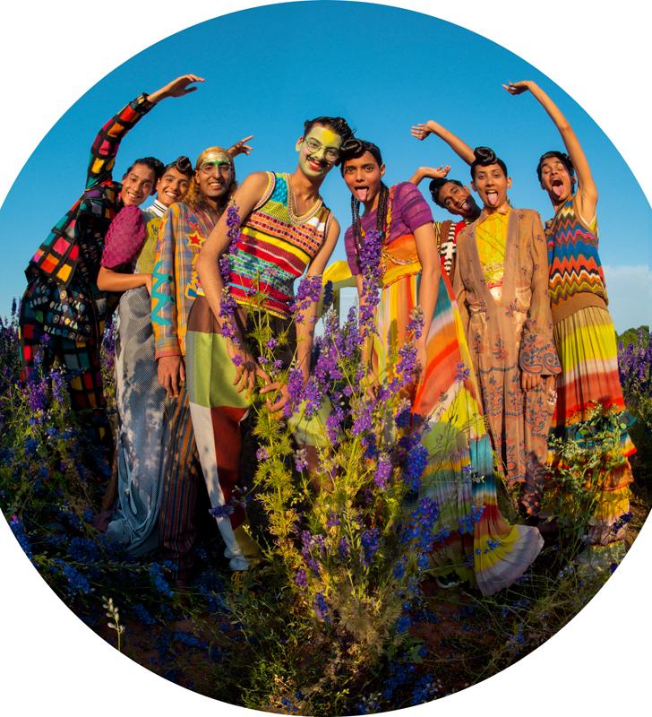 Tim Walker, 'Zo, Kiran Kandola, Firpal, Yusuf, Ravyanshi Mehta, Jeenu Mahadevan, Chawntell Kulkami, Radhika Nair', Pershore, Worcestershire, 2018 (c) Tim Walker Studio