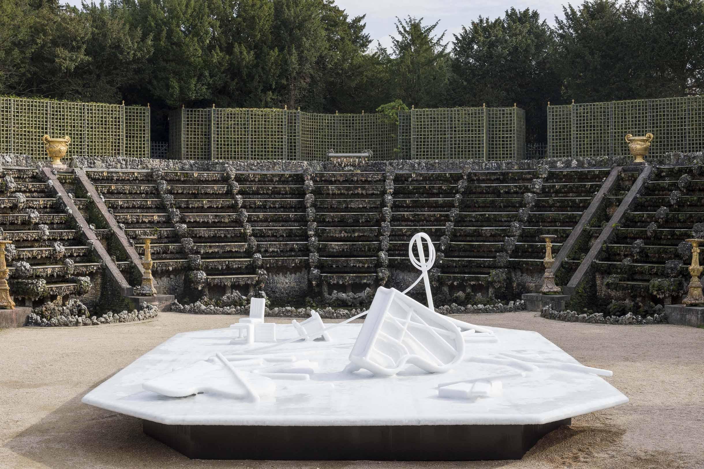Stéphane Thidet, Bruit Blanc, 2017 Acier, givre Courtesy Aline Vidal (Paris) et Galerie Laurence Bernard (Genève)