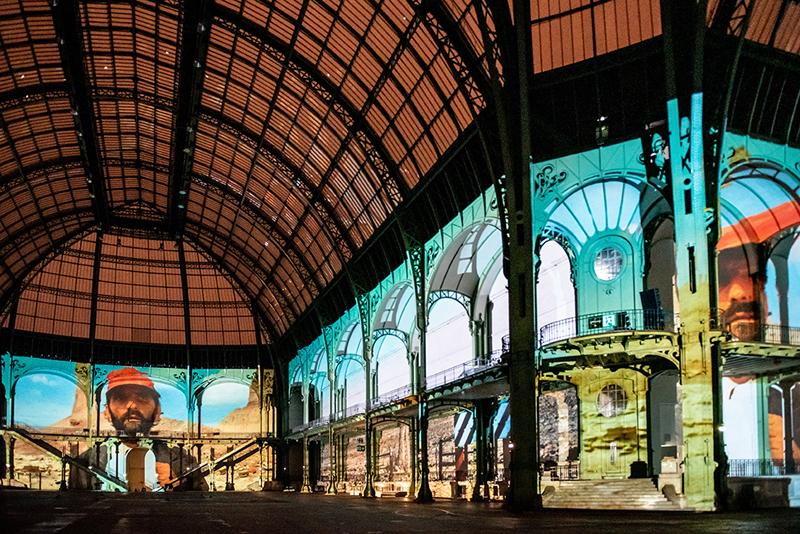 """vue de """"(E)motion"""" - Wim Wenders (1), Nef du Grand Palais, scénographie : Athem, © Rmn - Grand Palais / Nicolas Krief, Paris 2019"""