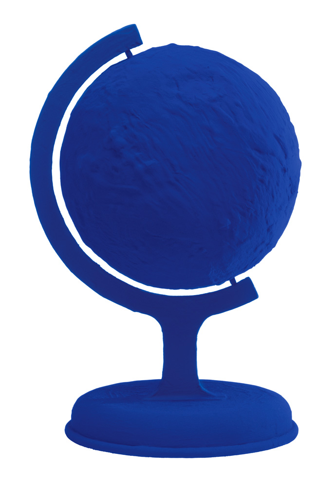 """Yves Klein, """"Globe terrestre bleu, (RP 7)"""" (1957). © Succession Yves Klein c/o ADAGP, Paris"""