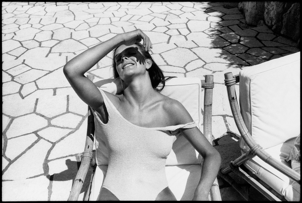Carole Bouquet, Antibes, 1985