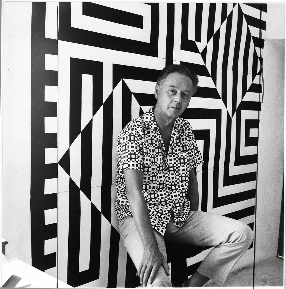 Portrait de Victor Vasarely en 1960, photo : Willy Maywald © Association Willy Maywald / Adagp, Paris 2019