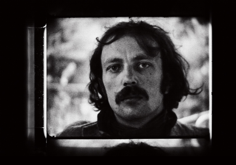 """Graf Zokan"" (Franz West) [1969] de Friedl Kubelka. Extrait de Graf Zokan (Franz West), vidéo noir et blanc, 3 min."