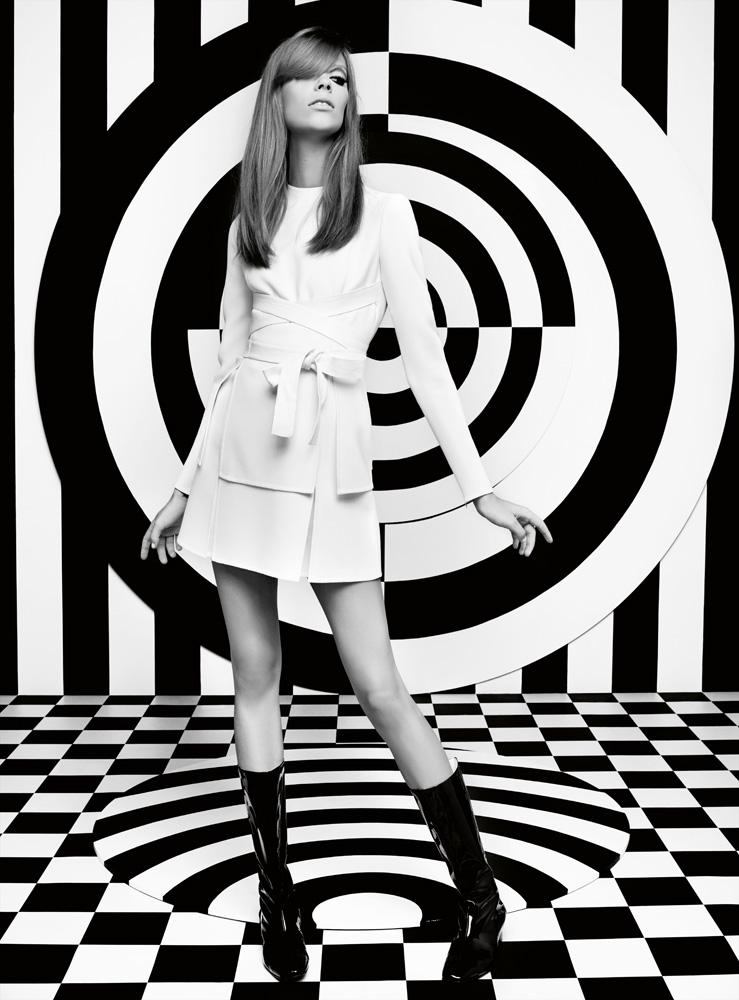 Numéro #156 Septembre 2012. Mannequin : Lexi Boling en Valentino Haute Couture. Make up : Tom Pecheux. Hair : Diego Da Silva.