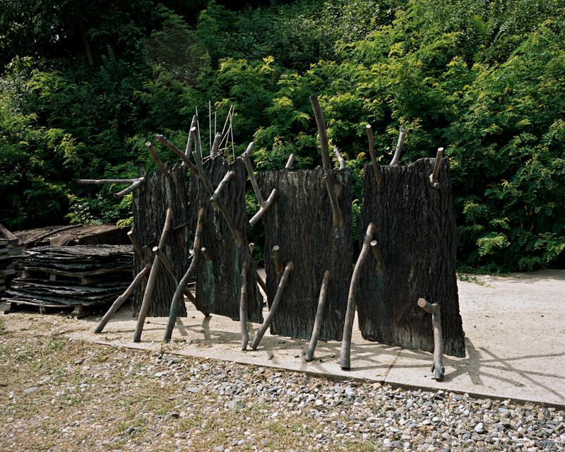 L'artiste italien entrepose certaines de ses oeuvres à proximité de sa villa, dans les montagnes.
