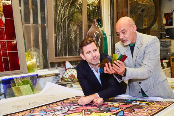 Christian Louboutin et Olivier Gabet à La Maison du Vitrail, Paris - © Courtesy of Christian Louboutin