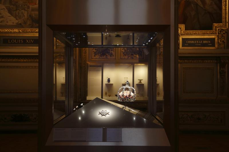 Vitrine des joyaux de la Couronne de France (1530- 1789), galerie d'Apollon © 2020 Musée du Louvre / Antoine Mongodin.