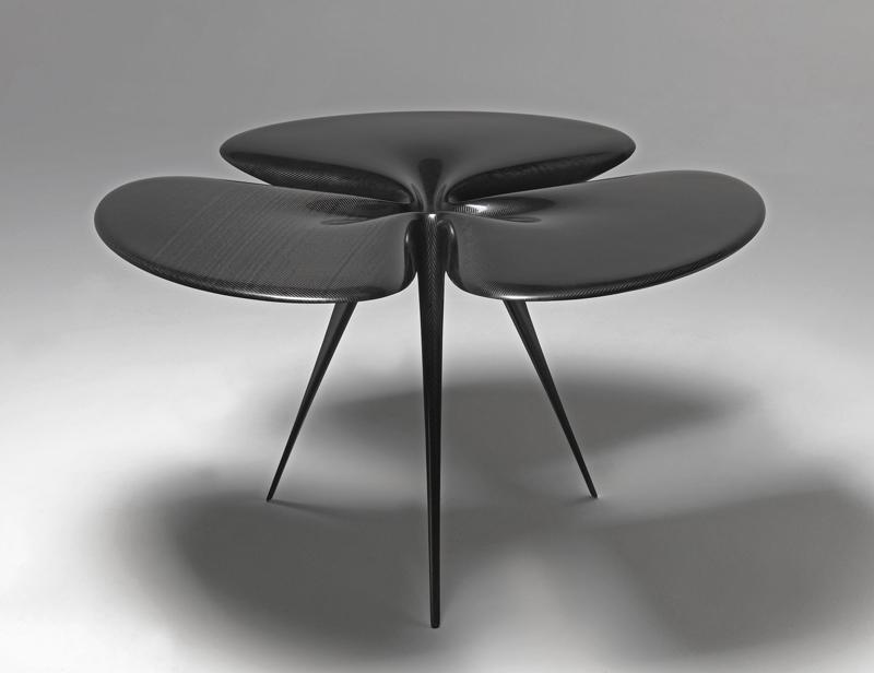 """""""Gingko Carbon Table"""" (2007-2008) Fibre de carbone H. 120 x L. 125 x P. 72 cm. Éditeur: Lovegrove Research. Centre Pompidou, musée national d'art moderne / centre de création industrielle, Paris"""