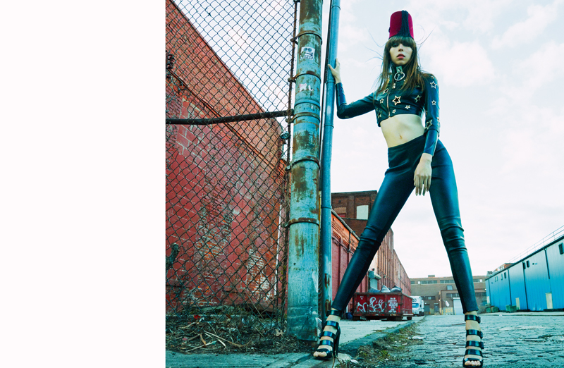 Leather jacket and legging, PHILIPPE PLEIN. Hat, NEW YORK VINTAGE. Choker, ZANA BAYNE. Sandals, PIERRE HARDY.