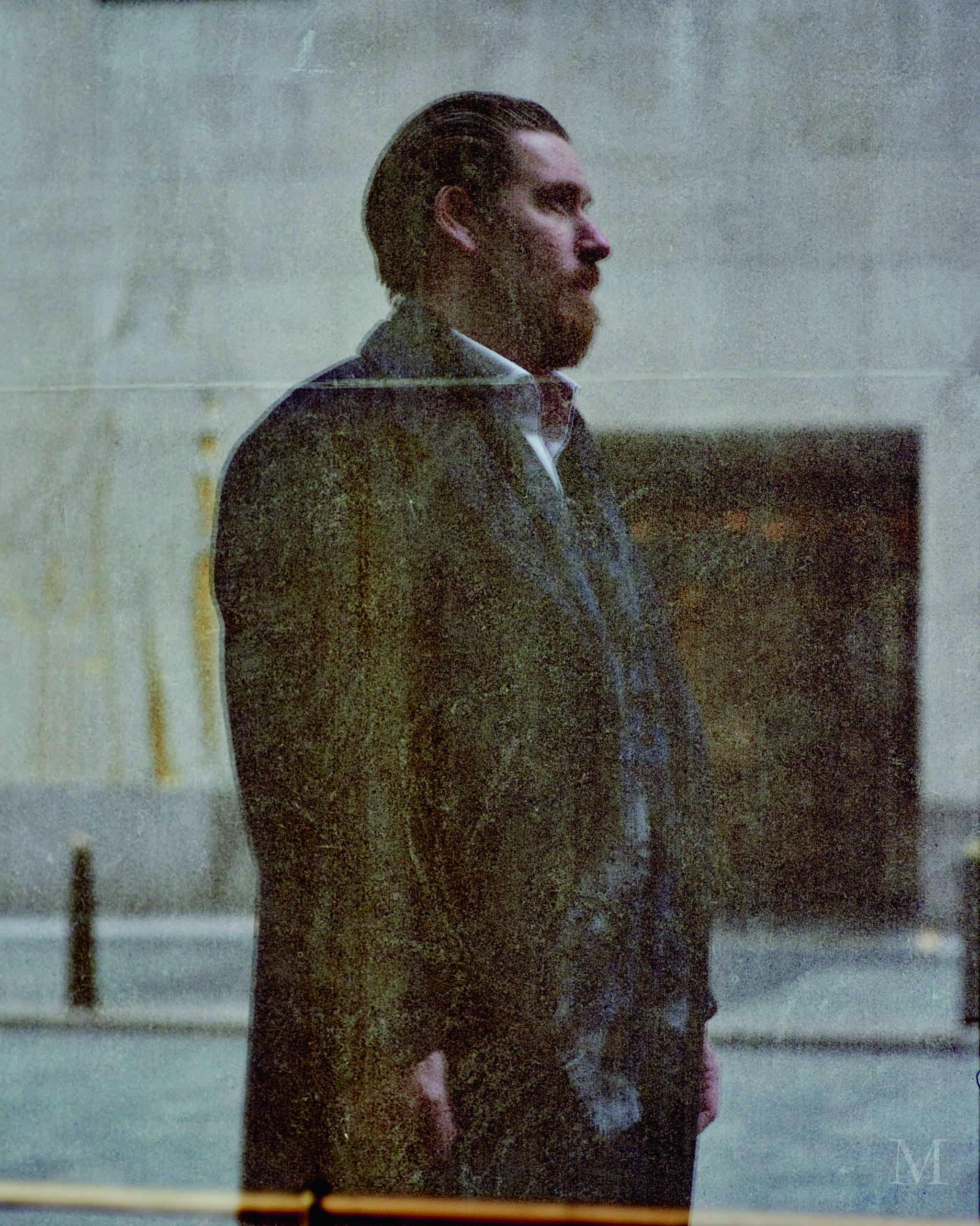 Alex Rotter a été photographié à l'entrée du Rockefeller Center, où sont établis les bureaux New-Yorkais de Christie's.