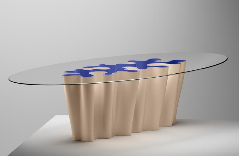 """""""Anemona Table"""" réalisée par l'artiste Laura Baldassari et le designer Alberto Biagetti."""