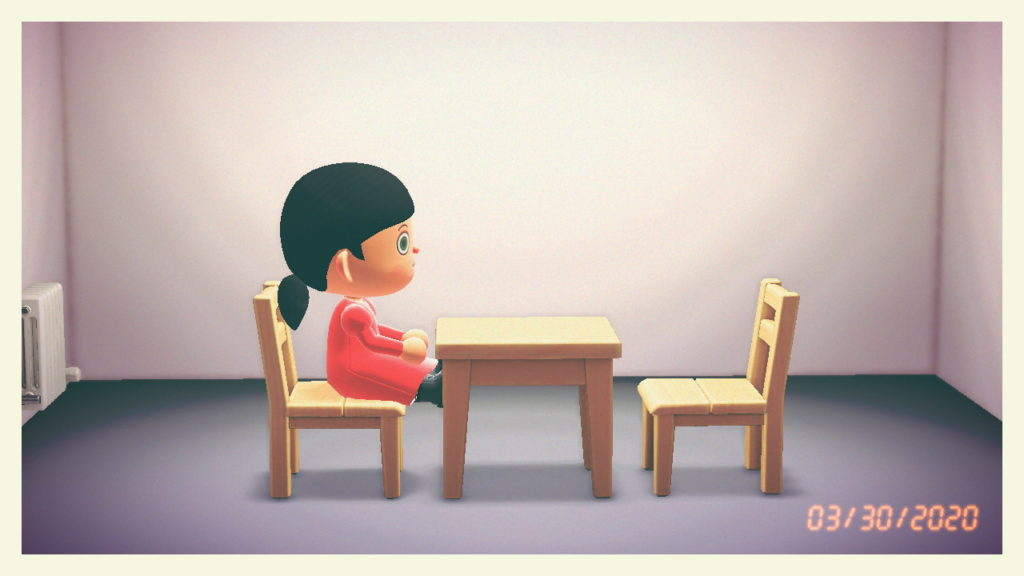 "Shing Yin Khor, reproduction de l'œuvre ""The Artist is Present"" de Marina Abramović (2012) dans ""Animal Crossing : New Horizons"" (2020). Screenshot courtesy of the artist."